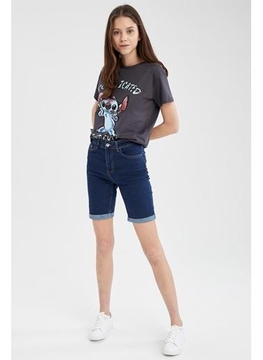 DeFacto Katlama Paça Detaylı Slim Fit Jean Bermuda Şort Mavi